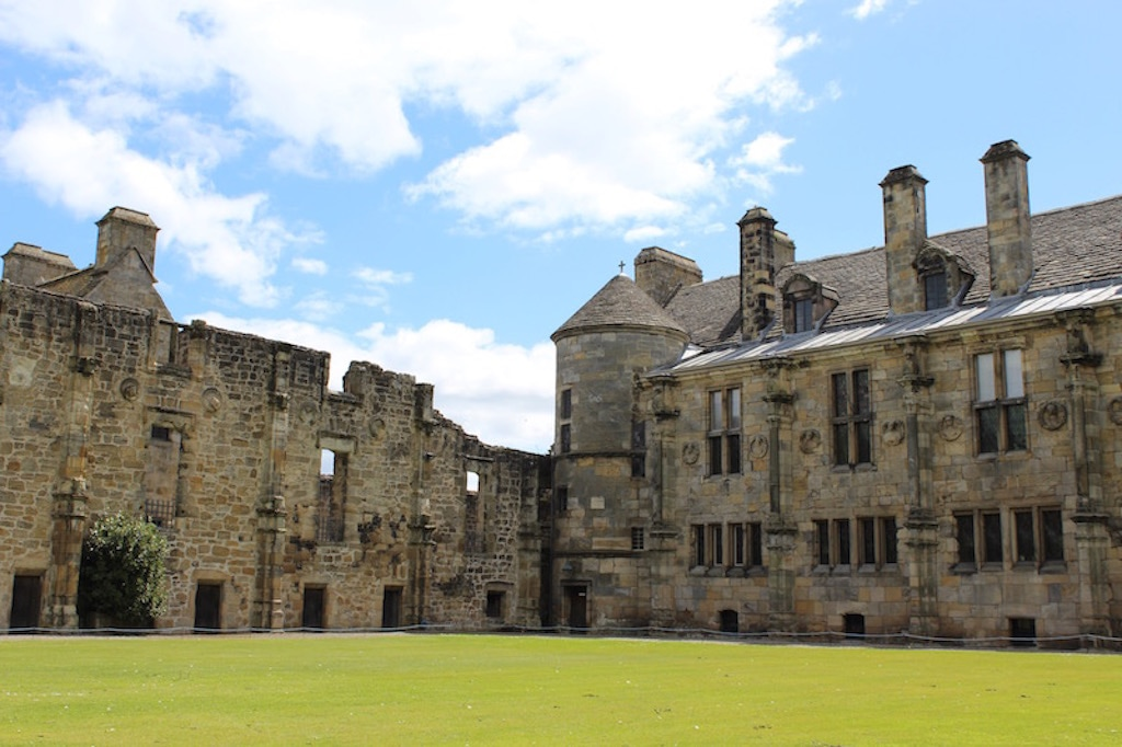 How to visit castles in Scotland