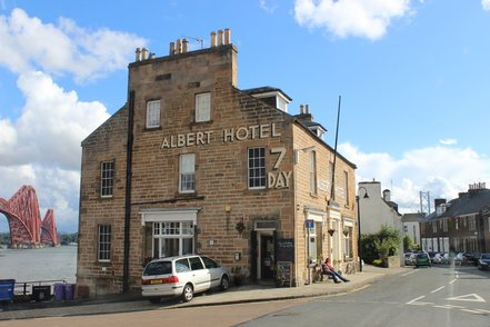 Albert Hotel in North Queensferry