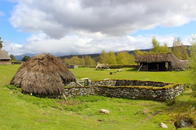 Outlander filming at the Highland folk Museum