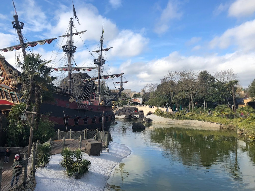 Disney Paris Pirates of the Caribean ride