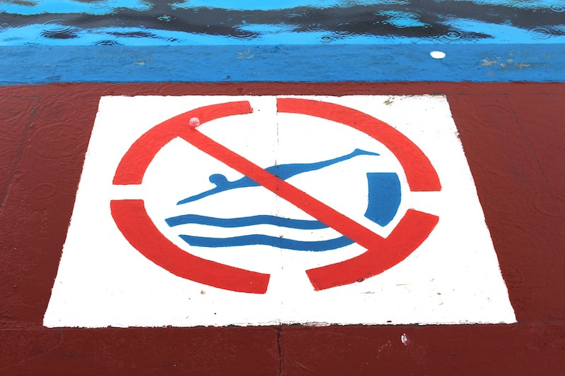 No diving sign at stonehaven open air pool